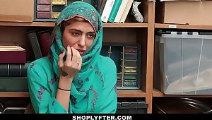 Shoplyfter- Hot Muslim Teen Smelly & Harassed